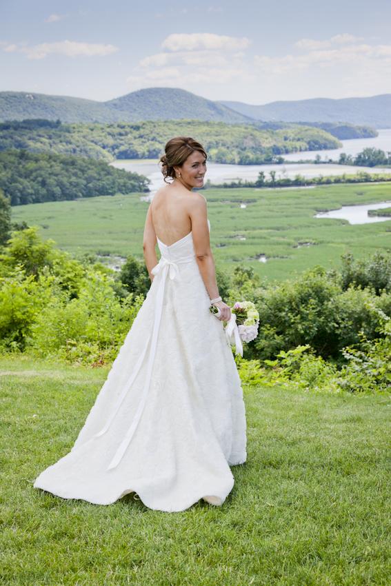 Real Bride Ellie Tara Keely
