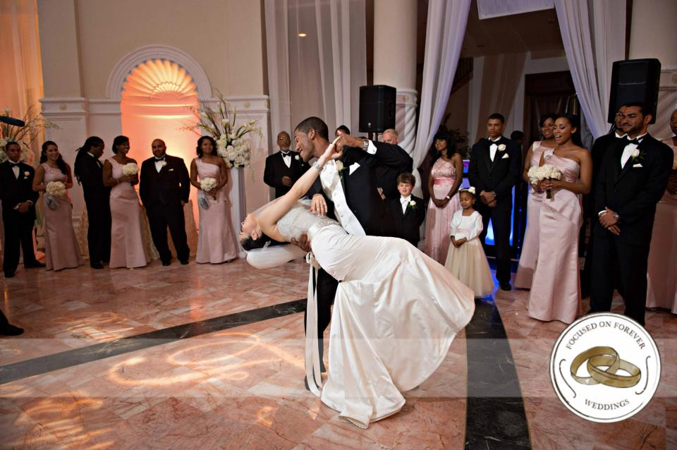 Lazaro Real Bride Dance